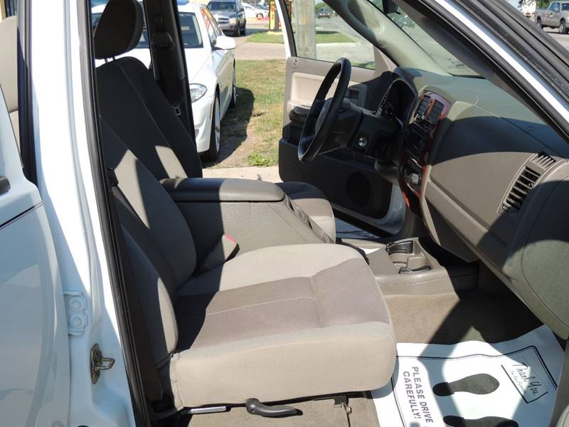 2005 Dodge Dakota 4dr Quad Cab SLT 4WD SB - Detroit MI