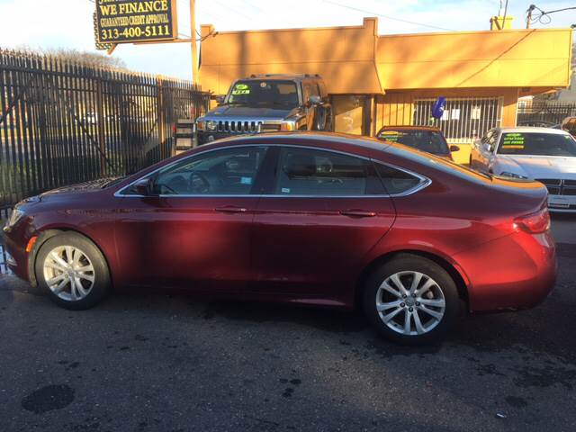 2015 Chrysler 200 Limited 4dr Sedan - Detroit MI