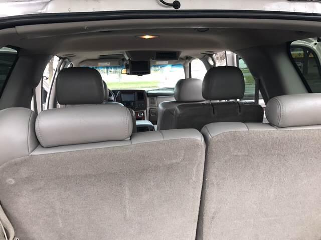 2004 Cadillac Escalade AWD 4dr SUV - Detroit MI