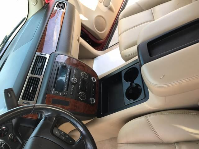 2007 Chevrolet Suburban LT 2500 4dr SUV 4WD - Detroit MI