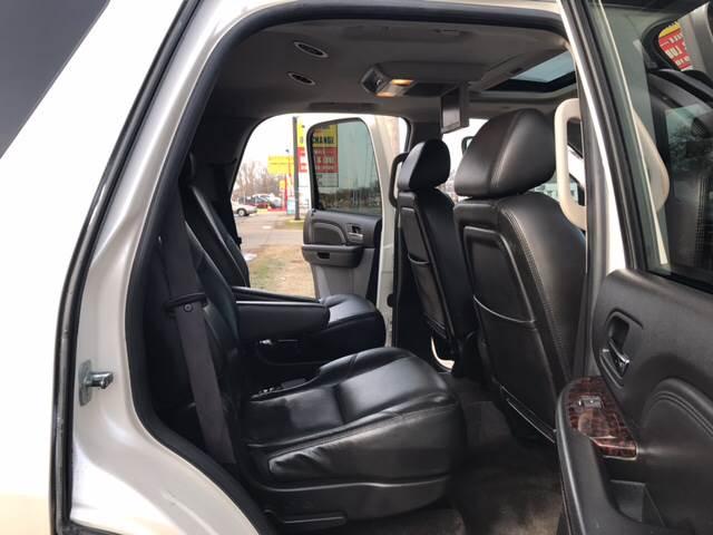 2009 GMC Yukon 4x2 Denali 4dr SUV - Detroit MI
