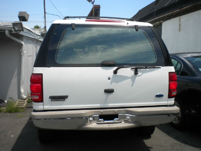 1997 Ford Expedition for sale at Premium Motors in Rahway NJ