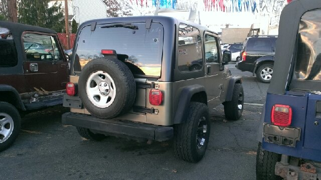 2004 Jeep Wrangler for sale at Premium Motors in Rahway NJ