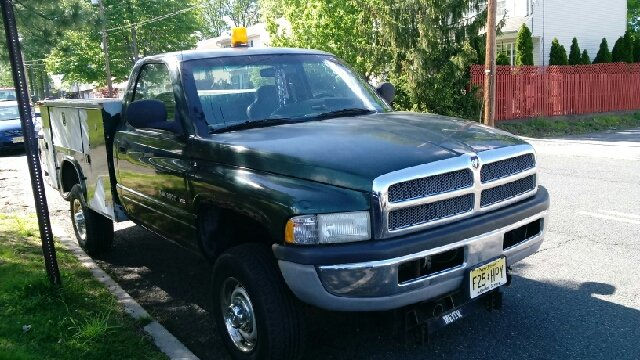 2001 Dodge Ram Pickup 2500 for sale at Premium Motors in Rahway NJ