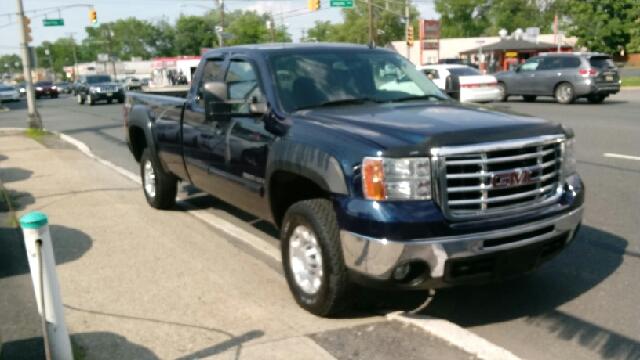 2009 GMC Sierra 2500HD for sale at Premium Motors in Rahway NJ