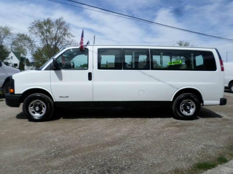 2003 Chevrolet Express Passenger 3500 3dr Extended Passenger