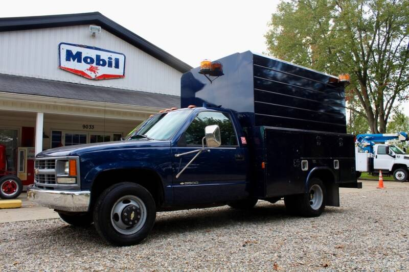 1998 Chevrolet C/K 3500 Series for sale at Show Me Used Cars in Flint MI