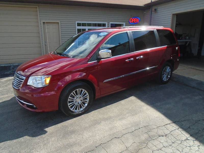 2013 chrysler town and country touring l 4dr mini van in traverse rh jackssalesandservice com 2014 Chrysler 300C 2013 Chrysler 300C Hemi