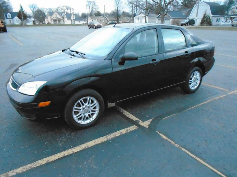 2007 ford focus zx4 se 4dr sedan in traverse city mi. Black Bedroom Furniture Sets. Home Design Ideas
