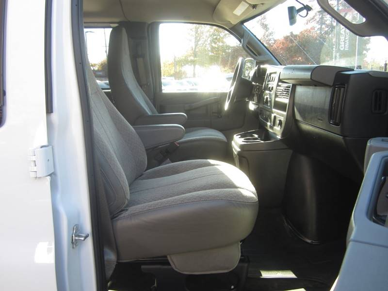 2018 Chevrolet Express Passenger LT 3500 3dr Extended Passenger Van - Salem OR