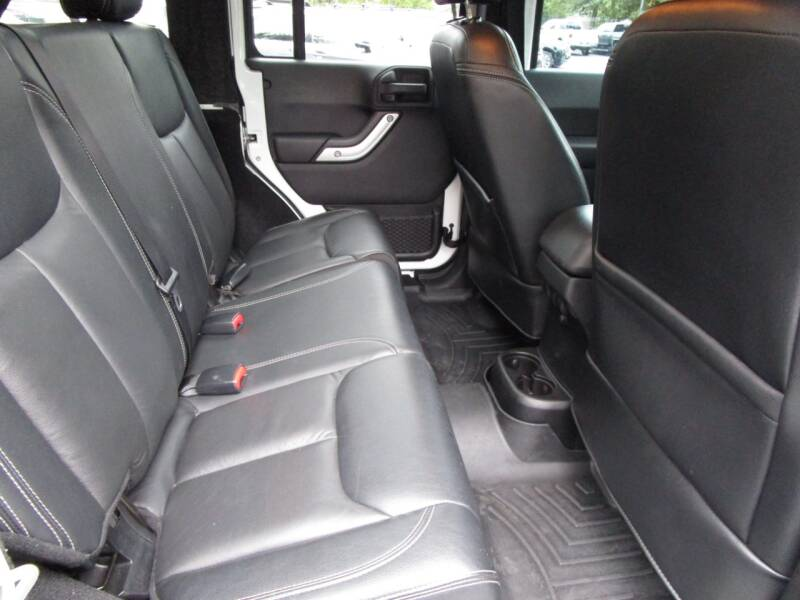 2015 Jeep Wrangler Unlimited 4x4 Sahara 4dr SUV - Salem OR