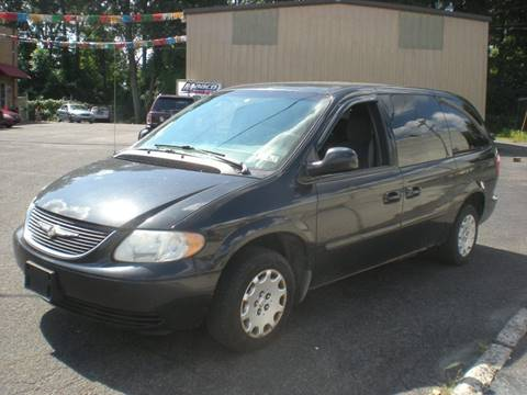 2004 Chrysler Town and Country for sale at 611 CAR CONNECTION in Hatboro PA