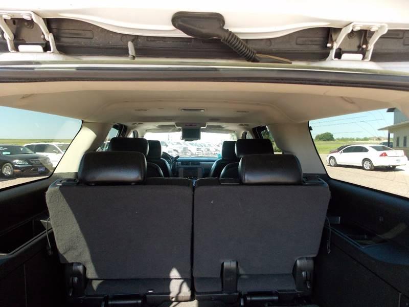 2007 Chevrolet Suburban LT 1500 4dr SUV 4WD - Canton SD