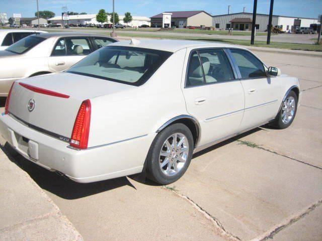 2010 Cadillac DTS Premium Collection 4dr Sedan - Canton SD