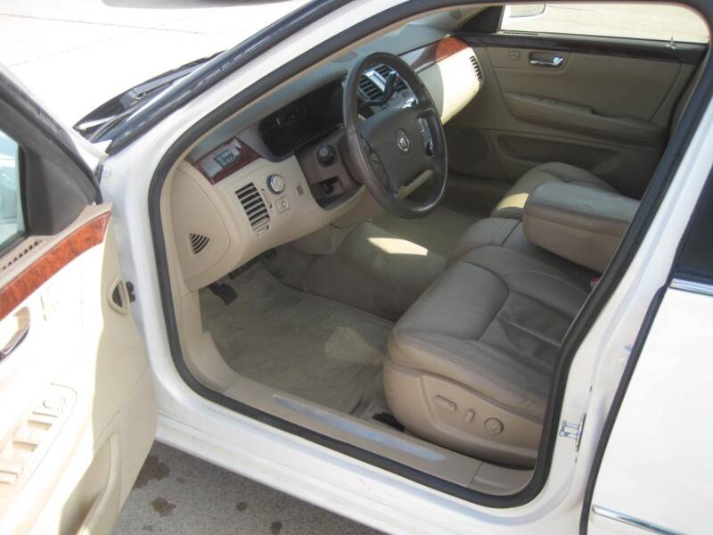 2006 Cadillac DTS Luxury II 4dr Sedan - Canton SD