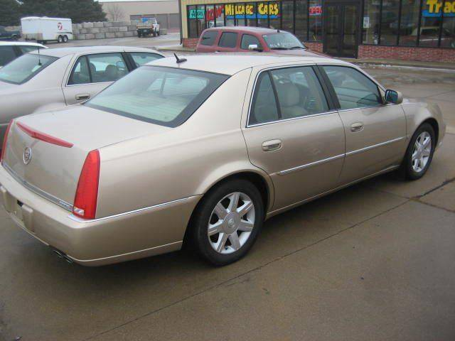 2006 Cadillac DTS Luxury I 4dr Sedan - Canton SD