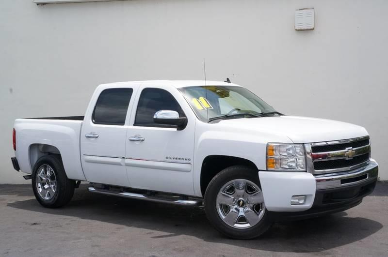 2011 CHEVROLET SILVERADO 1500 LT 4X2 4DR CREW CAB 58 FT SB white new pricepriced below k