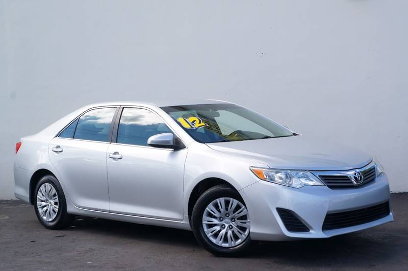 2012 TOYOTA CAMRY LE 4DR SEDAN classic silver metallic priced below kbb fair purchase price
