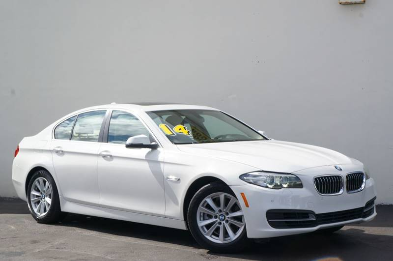 2014 BMW 5 SERIES 528I 4DR SEDAN white new pricepriced below kbb fair purchase price1