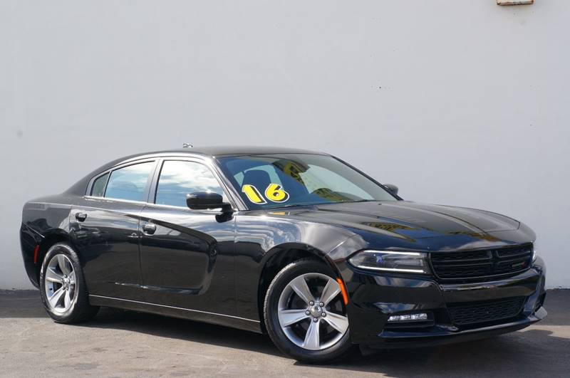 2016 DODGE CHARGER SXT 4DR SEDAN pitch black clearcoat priced below kbb fair purchase price