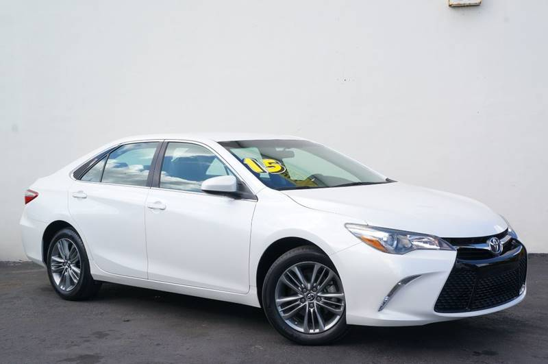 2015 TOYOTA CAMRY SE 4DR SEDAN super white new price black wsport leather-trimmed ultrasuede se