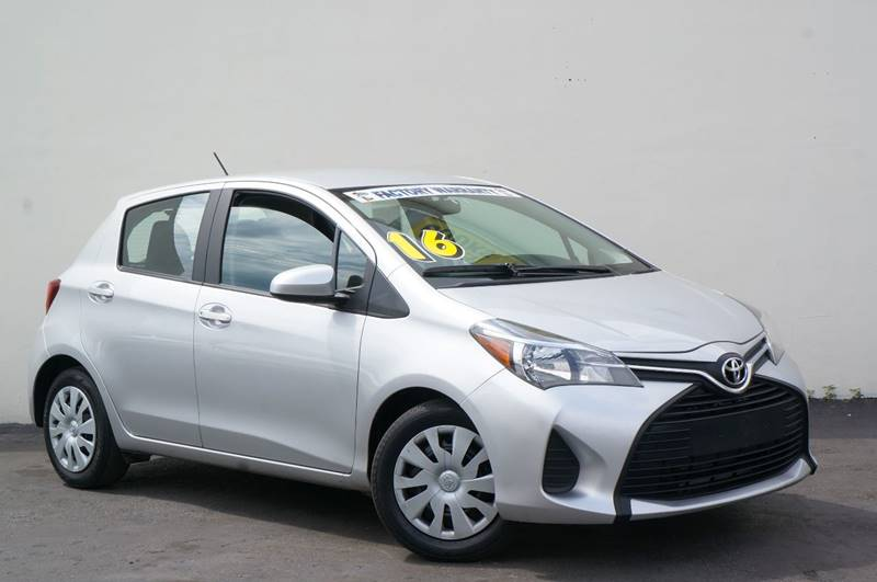 2016 TOYOTA YARIS L classic silver metallic recent arrival carfax one-owner priced below kbb fa