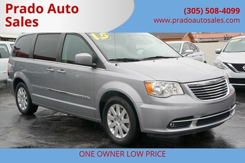 2015 Chrysler Town and Country for sale in Miami, FL