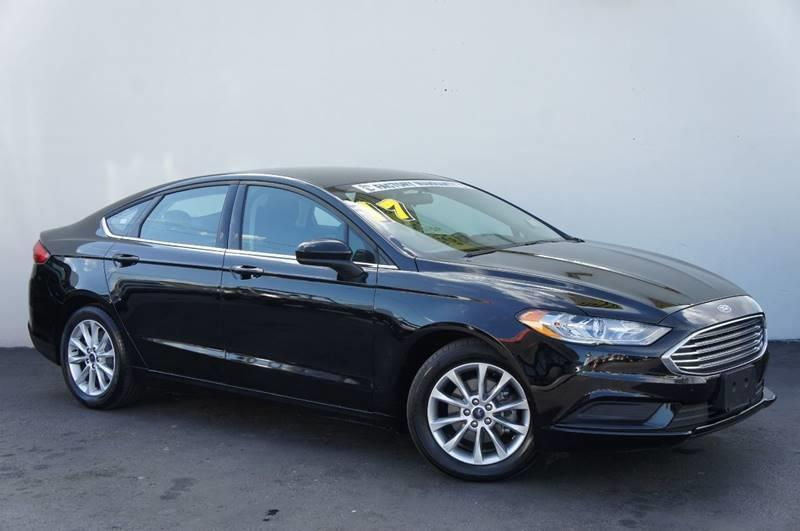 2017 FORD FUSION SE 4DR SEDAN black carfax certifiedno accidentslow milesfuel efficie