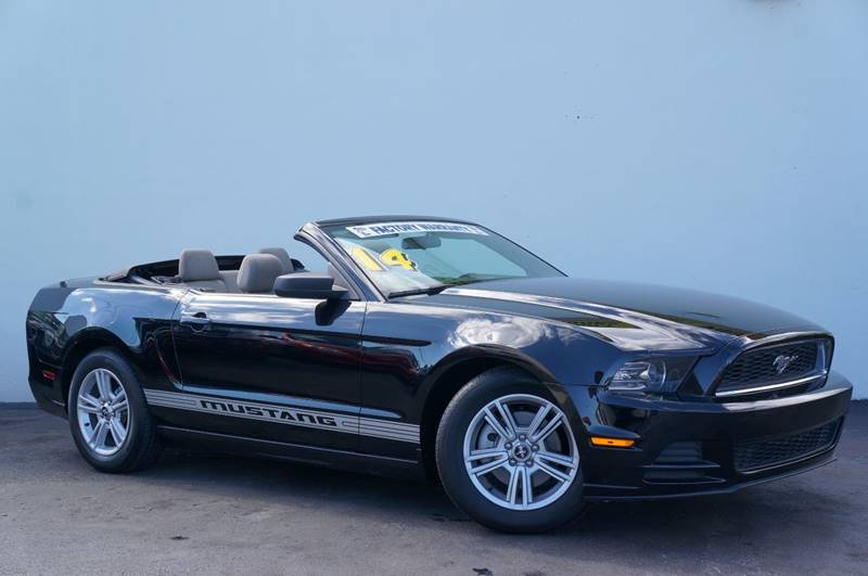 2014 FORD MUSTANG V6 2DR CONVERTIBLE black carfax certifiedno accidents1 ownerpremium