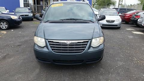2005 Chrysler Town and Country for sale in Philadelphia, PA