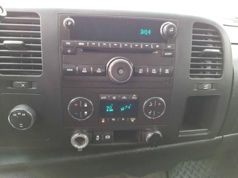 2012 Chevrolet Silverado 2500HD (image 11)