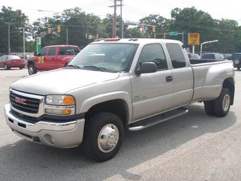 2005 GMC Sierra 3500 for sale at Autoworks in Mishawaka IN