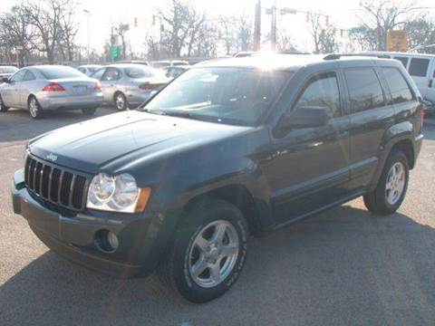 2005 Jeep Grand Cherokee for sale at Autoworks in Mishawaka IN