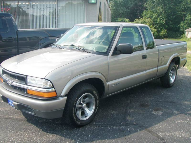 2001 Chevrolet S-10 for sale at Autoworks in Mishawaka IN