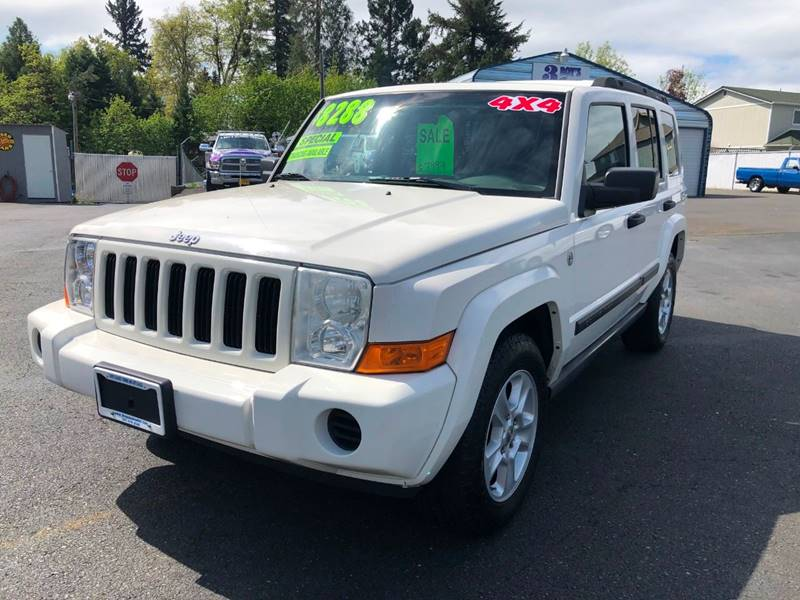 2006 Jeep Commander 4dr SUV 4WD In Grants Pass OR - 3 BOYS CLASSIC