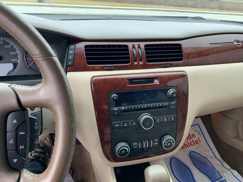 2006 Chevrolet Impala LT (image 12)