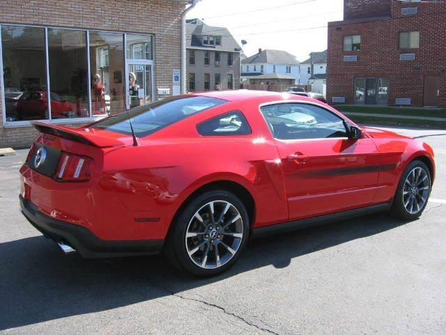 2011 Ford Mustang GT Premium 2dr Coupe - Wyoming PA