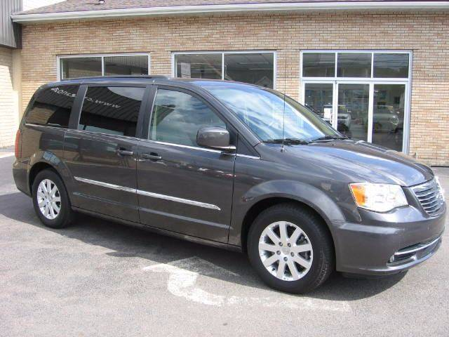 2015 Chrysler Town and Country Touring 4dr Mini-Van - Wyoming PA
