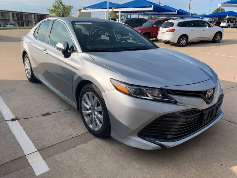 2019 Toyota Camry for sale at JOHN HOLT AUTO GROUP, INC. in Chickasha OK