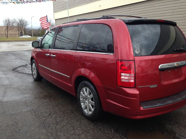 2008 chrysler town and country touring mini van passenger in wayne mi h f auto sales. Black Bedroom Furniture Sets. Home Design Ideas