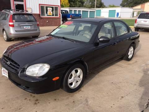 2001 Hyundai Sonata for sale in Des Moines, IA