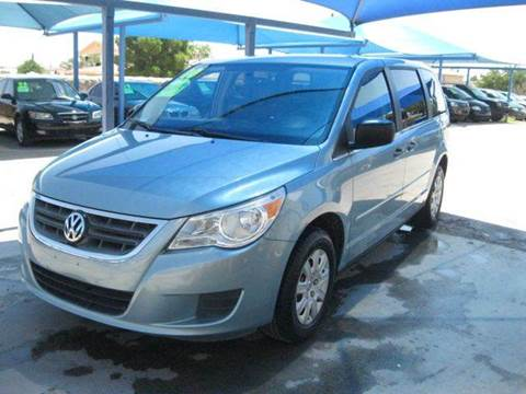 2010 Volkswagen Routan for sale in Socorro, TX