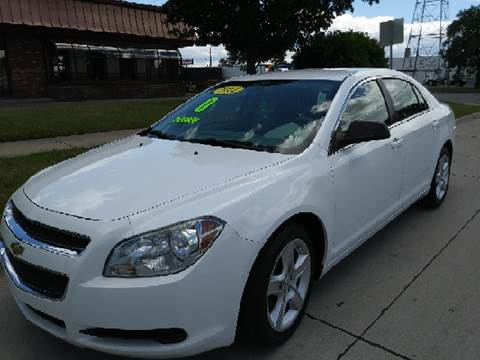 2011 Chevrolet Malibu for sale at Julian Auto Sales, Inc. in Warren MI