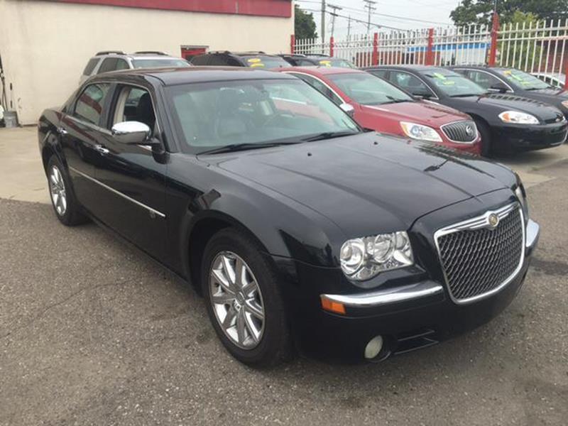 2010 Chrysler 300 car for sale in Detroit