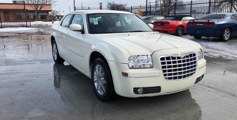 2009 Chrysler 300 car for sale in Detroit