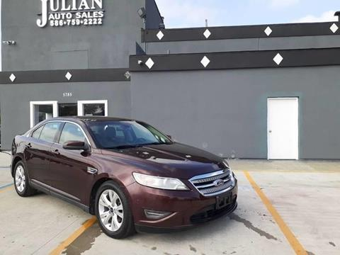 2010 Ford Taurus for sale in Warren, MI