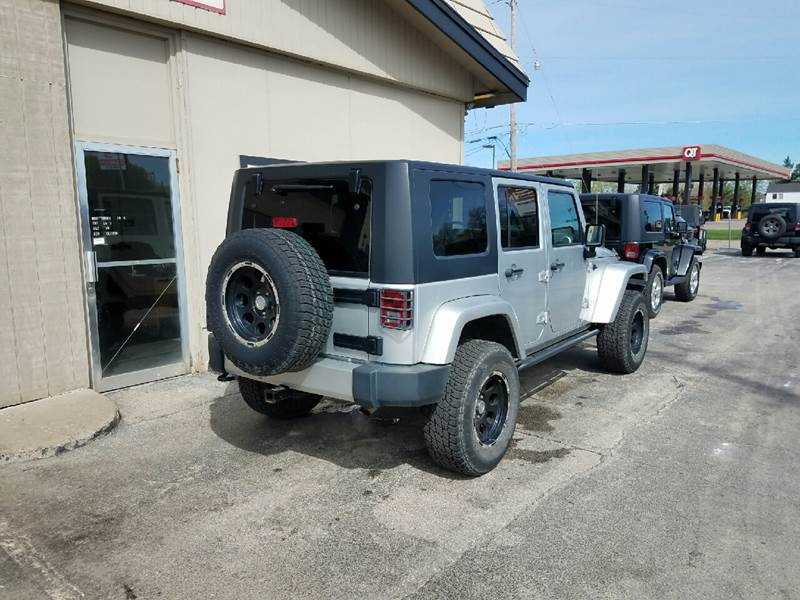 2009 Jeep Wrangler Unlimited 4x4 Sahara 4dr SUV - Des Moines IA