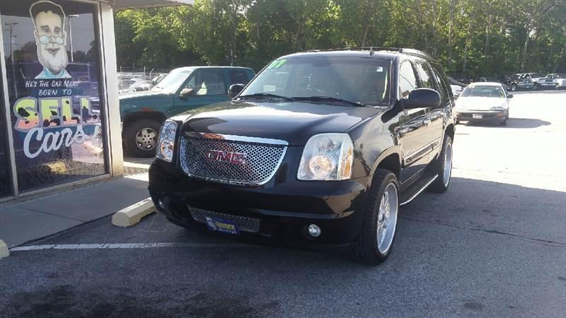 2007 GMC Yukon for sale at Paul Gerber Auto Sales in Omaha NE