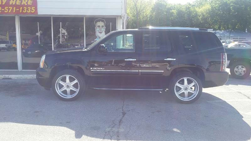 2007 GMC Yukon for sale at Paul Gerber Auto Sales in Omaha NE