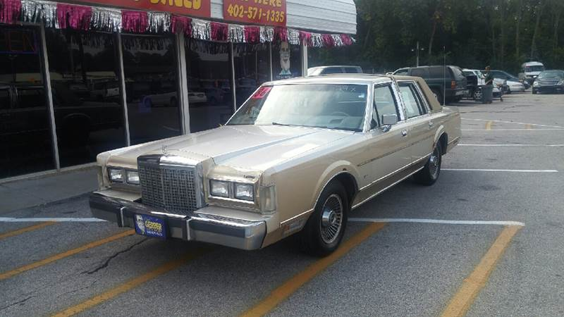 1986 Lincoln Town Car for sale at Paul Gerber Auto Sales in Omaha NE